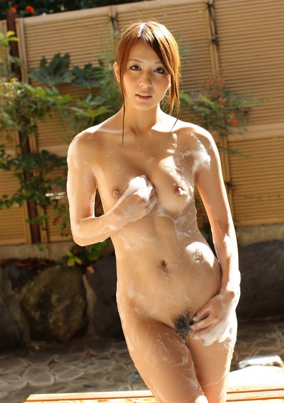 Nude japanese girls bathing