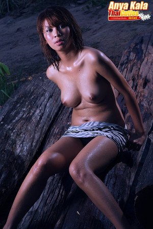 twilight nude pictures girl